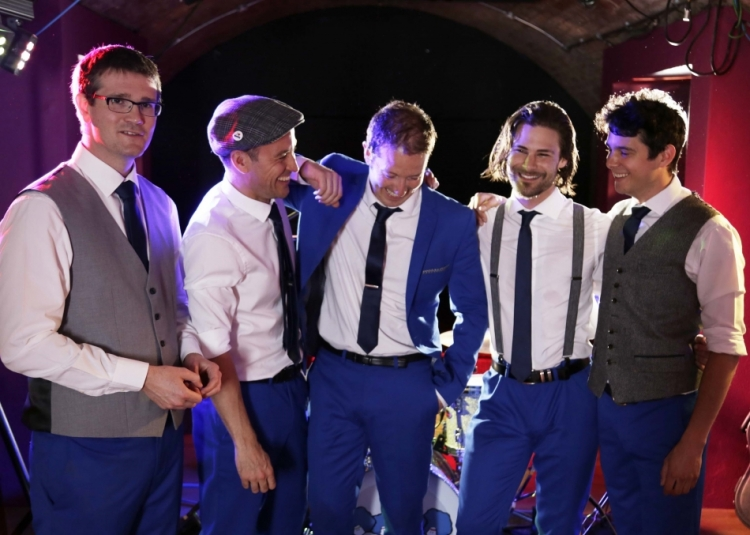 Have a live band playing at your wedding to make your special day even better!
