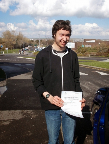 Tom passed with 1 minor fault