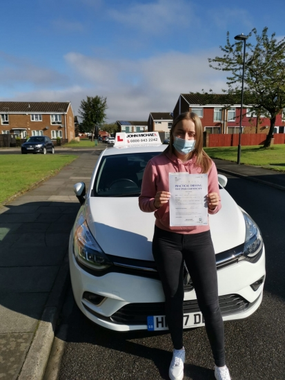 Great drive from Kaylee Kennedy today! She just passed at Gosforth with our instructor Rob and 3minors! Well done Kaylee!