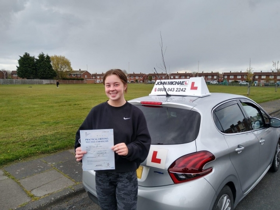 Massive well done to Lauren Collins, who passed her test today,at South Shields, with just a single minor fault, with her instructor Graham Spensley, just days before her theory test expired, well done, stay safe