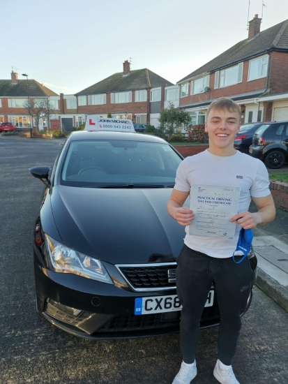 Great drive from Liam! He's just smashed his test at the first attempt with only 1 minor driving fault! Our last test of the year, 2020