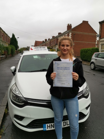 Great drive from Eleanor Teesdale today, she's just passed 1st time at Gosforth with her instructor Rob Stephenson and only 4 minors!