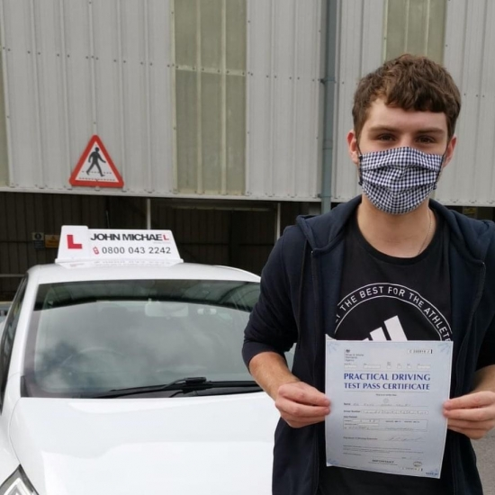 Great drive from Rhys Selby! He's just passed 1st time at Gosforth and only 5 minors! Rhys passed with our instructor Rob Stephenson, Well done Rhys!