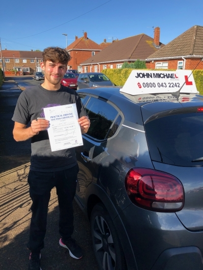 Cracking drive from Connor North today, who passed his test with flying colours! Connor passed with our instructor Gavin Hudd!