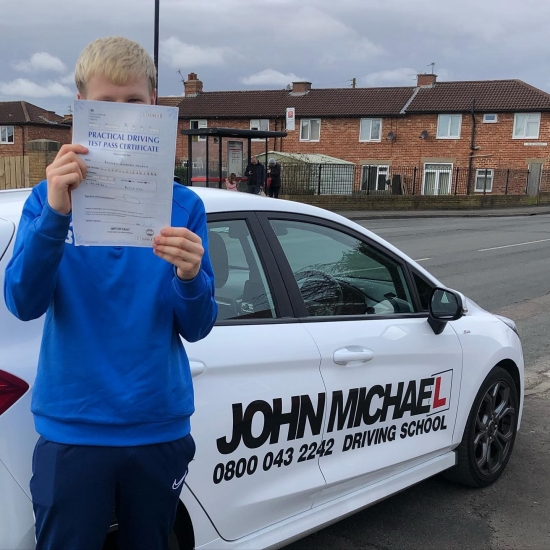 Amazing driving from Brad Howdon today!! He's just smashed 👊� his driving test with only 3 minors!! Well done Brad!