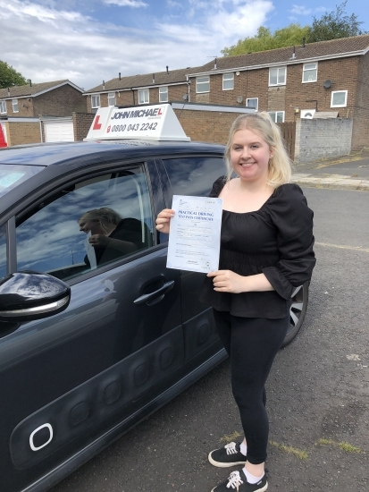 A great 1st time pass for Ebony Wright this morning! Ebony passed with our instructor Gavin Hudd at blyth, well done Ebony!