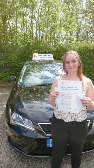 Great drive from Stephanie Snowball! She's just passed her test with our instructor Rob Stephenson @ Gosforth with only 3 minors! Well done 👏👏