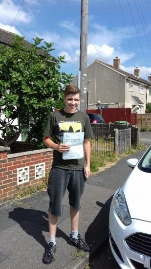 Well done Tyler passing on his first attempt with Martin´s Driving School with just 2 minors!