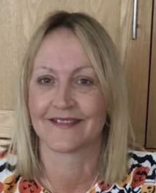 Hi my name is Michelle and I am the owner of Bell School of Motoring.  I have been a fully qualified driving instructor since 2006 when I started along with my husband Steve on our adventure of setting up our own driving school.