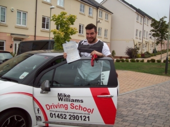 ....at the 1st attempt WITH A BIG FAT ZERO driving faults on his Test sheet…..WOW!!!!!
