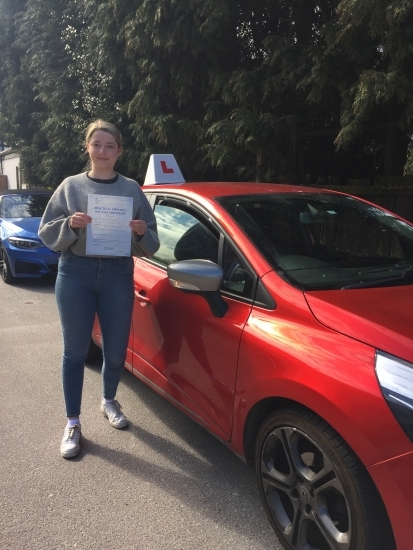 I passed my driving test first time, all thanks to Diana! She is a very patient and calm teacher, who helped me to build my confidence on the road. Diana is super reliable and friendly and made my learning experience enjoyable. 10/10⭐️'