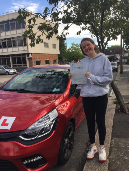 Delighted to have passed my test all thanks to Diana's help. Could not recommend her enough. Thankyou for getting me on the roads! XWell done Evie all the best at uni. See you around xx