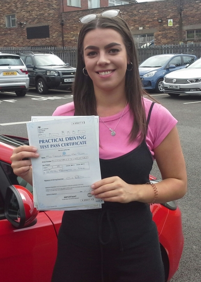 Georgia Dunn passed on 22/8/18 with Garry Arrowsmith! Well done!