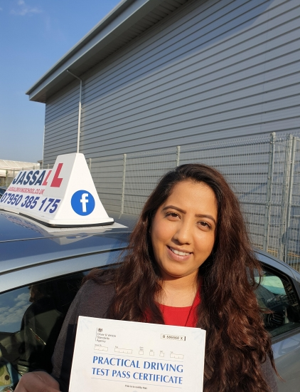 Congratulations Jumana on passing your Driving Test on 1st attempt in Uxbridge!