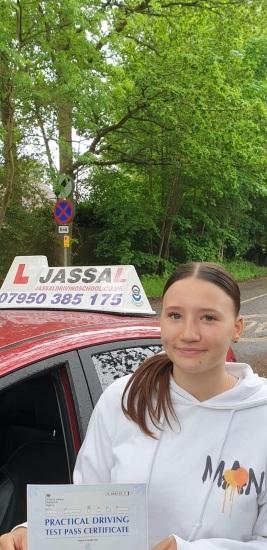 Congratulations Chloe on passing on your Driving Test 1st attempt in Slough!<br /> I passed 1st time with Jassal's help ! Very good instructor who took covid into consideration and took all the necessary precautions, he showed me all the possible test routes and manoeuvres getting me ready for my test, which helped me to pass.