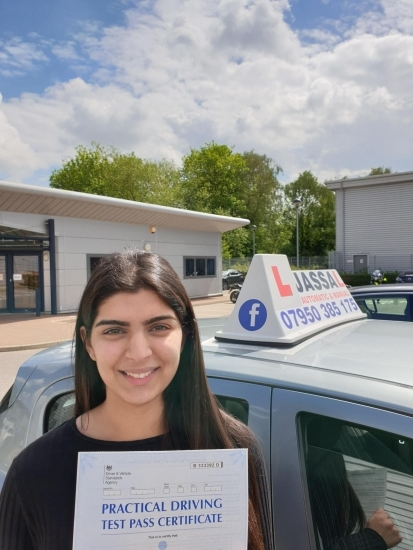 Congratulation Shreya on passing your Driving Test on 1st attempt in Uxbridge!..