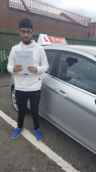 Congratulations to Sidique passing his driving test with L-Team driving school for the first time!! #passed#driving#learner🏆 #manchester#drivinglessons #help #learning #cars Call us know to get booked in on 0333 240<br /> <br /> <br /> PASS IN APRIL 2018