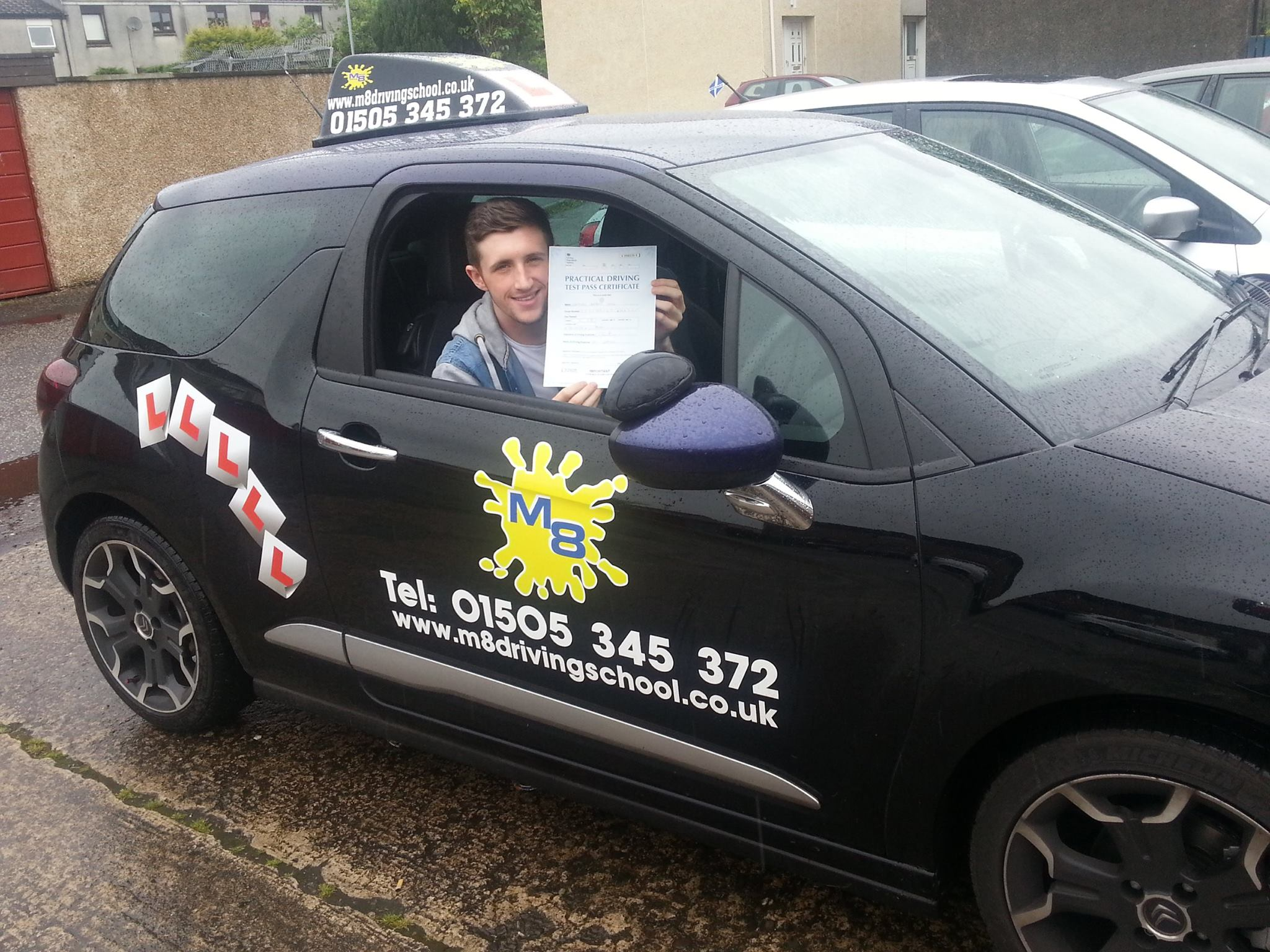 Driving lessons Paisley with an experienced instructor