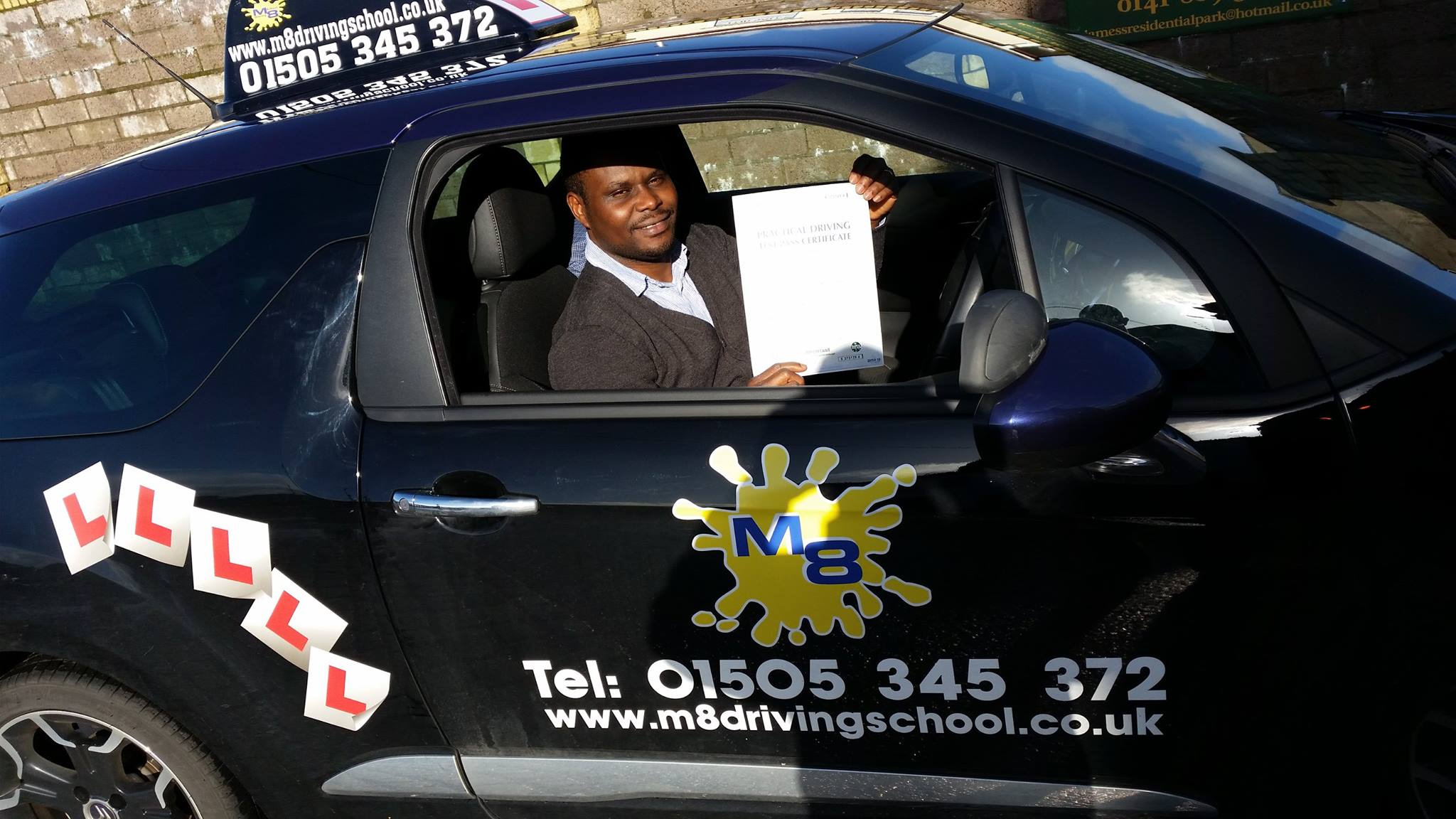 get your driving licence with quality Driving lessons Paisley with an experienced instructor