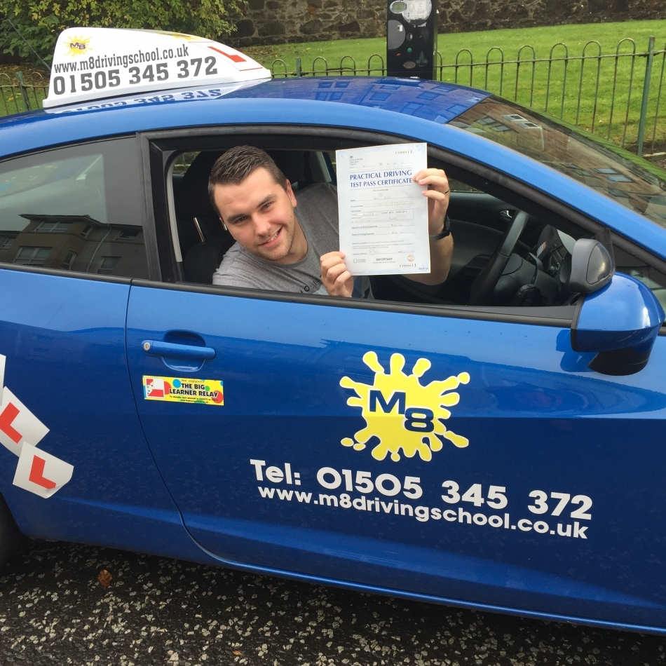 Learn to drive with Driving lessons Paisley with an experienced instructor