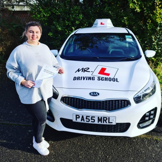 Congratulations to Grace Fussey from Newmarket who passed 1st time in Cambridge on the 16-12-20 after taking driving lessons with MR.L Driving School.