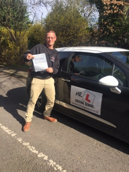 Congratulations to Simon Tyler from Caldecote who passed 1st time in Cambridge on the 13-4-16 after taking driving lessons with MRL Driving School
