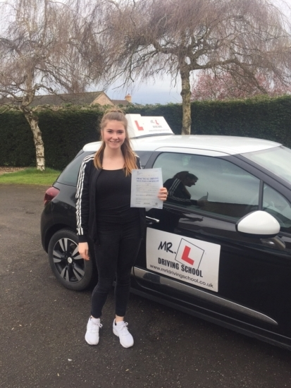 Congratulations to Erin Dolan from Haddenham who passed 1st time in Cambridge on the 6-4-16 after taking driving lessons with MRL Driving School