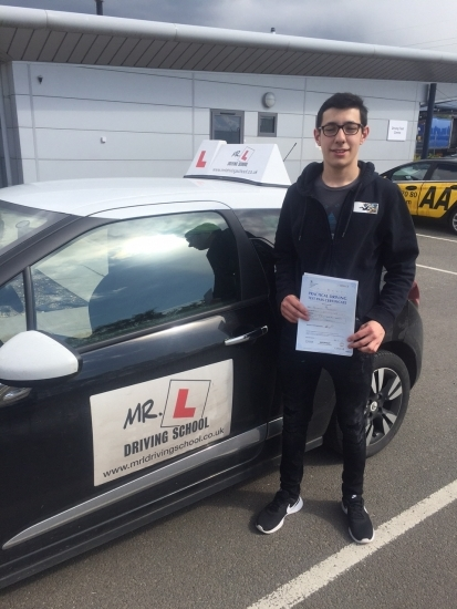 Congratulations to Ben Buckberry who passed in Peterborough on the 27-4-16 after taking driving lessons with MRL Driving School