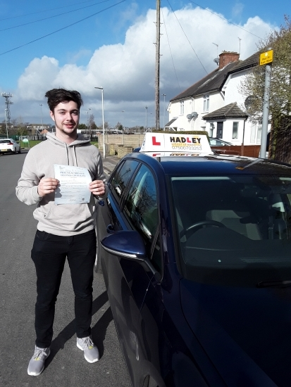 16/03/2018 - Paul Hadley is a brilliant driving instructor, I passed first time with only 1 minor. Overall it was a great experience and I feel I will go on becoming a confident driver. Thank you Paul