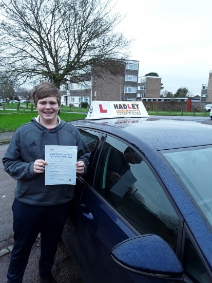 28/11/2019 - Paul was a great instructor teaching me everything I needed to pass my test but also be a good driver! Highly recommend!
