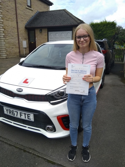 Massive congratulations go to Anna, who passed her driving test today in Buxton at the first attempt and with only 1 driver fault. She joins the exclusive club of passing both theory and driving tests first time. A great drive, well done. It´s been an absolute pleasure taking you for lessons, enjoy your independence and stay safe.