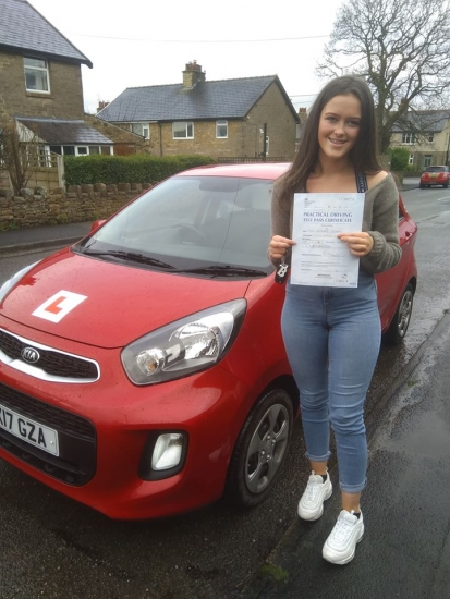 Huge congratulations go to Beth, who passed her driving test today in Buxton and with only 6 driver faults. You held your nerve well and had a really nice drive, well done. It´s been an absolute pleasure taking you for lessons, enjoy your independence and stay safe 😊