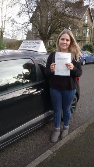 An early morning start for Charlotte but it paid off as she passed her driving test in Buxton and with only 4 driving faults A great drive congratulations 🎊<br />