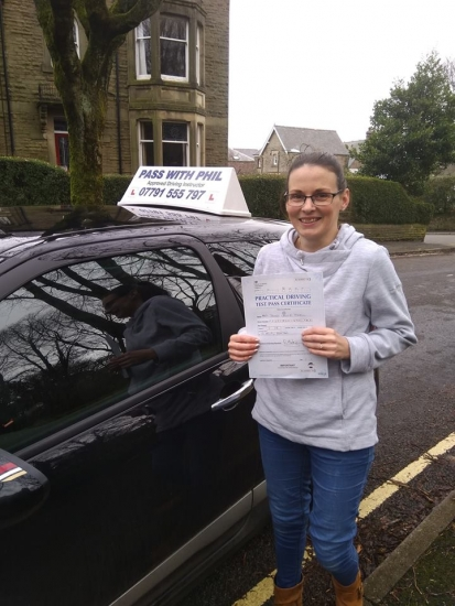 Huge congratulations go to Jenny, who passed her driving test at the first attempt today and with only 2 driver faults. Jenny joins the exclusive club of passing both theory and driving tests first time. All the hard work has paid off, you can now ferry those 3 young children of yours around. Well done again, enjoy your independence and stay safe.