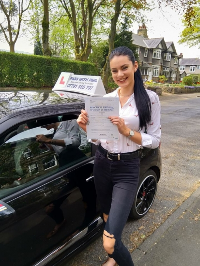 Massive well done to Lucy, who passed her driving test today in Buxton at the first attempt and with only 5 driver faults. Lucy joins the exclusive club of passing both theory and driving tests first time. It´s been an absolute pleasure taking you for lessons, enjoy your independence and stay safe 😊