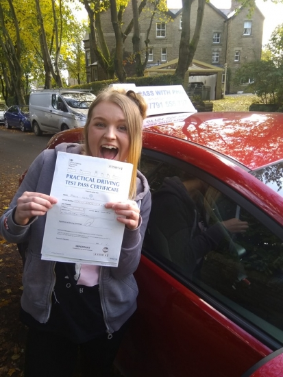 Massive congratulations go to Rosie, who passed her driving test today in Buxton at the first attempt and with only 6 driver faults. You worked so hard for that, well done. It´s been an absolute pleasure taking you for lessons. Enjoy your independence and stay safe 😊