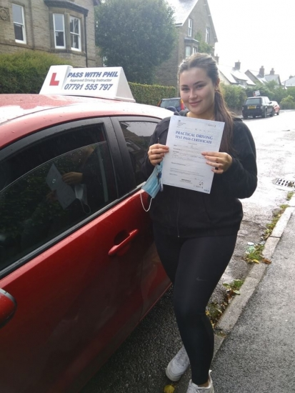 Huge congratulations go to Miah, who as a key worker, passed her driving test this morning in Buxton at the first attempt and with only 1 driver fault. It´s been an absolute pleasure taking you for lessons, enjoy your independence and stay safe