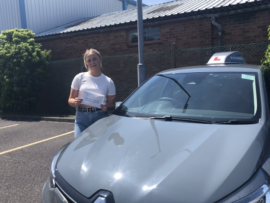 """""""Louise"""" has been a great teacher, very patient and calm which helped my confidence to pass first time! <br /> <br /> I would definitely recommend Louise to anyone who's starting to drive!<br /> <br /> Passed Tuesday 8th June 2021"""