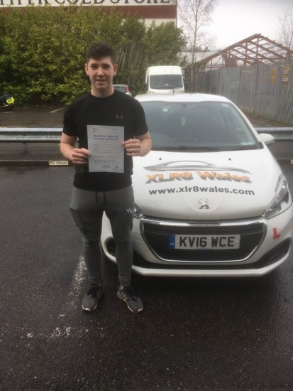16.12.19 - Congratulations to Josh Hutchins passing his driving test today, 1st time and only 2 minor faults with our Peter 🚗�🚦