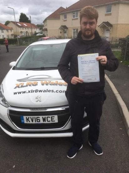 Congratulations to Reece Lawson on passing his driving test 1st time in Brecon with our Peter! Amazing result!! 😃😃😃