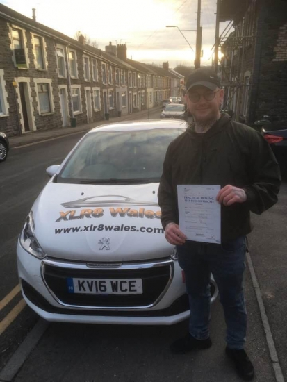 2.12.19 - Congratulations to Richard Popple on passing his driving test today 1st time with 3 minors with our Peter 🚗🚦��